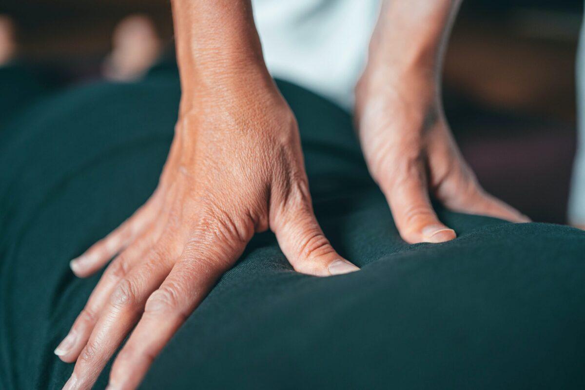 腸腰筋の硬結の取り方