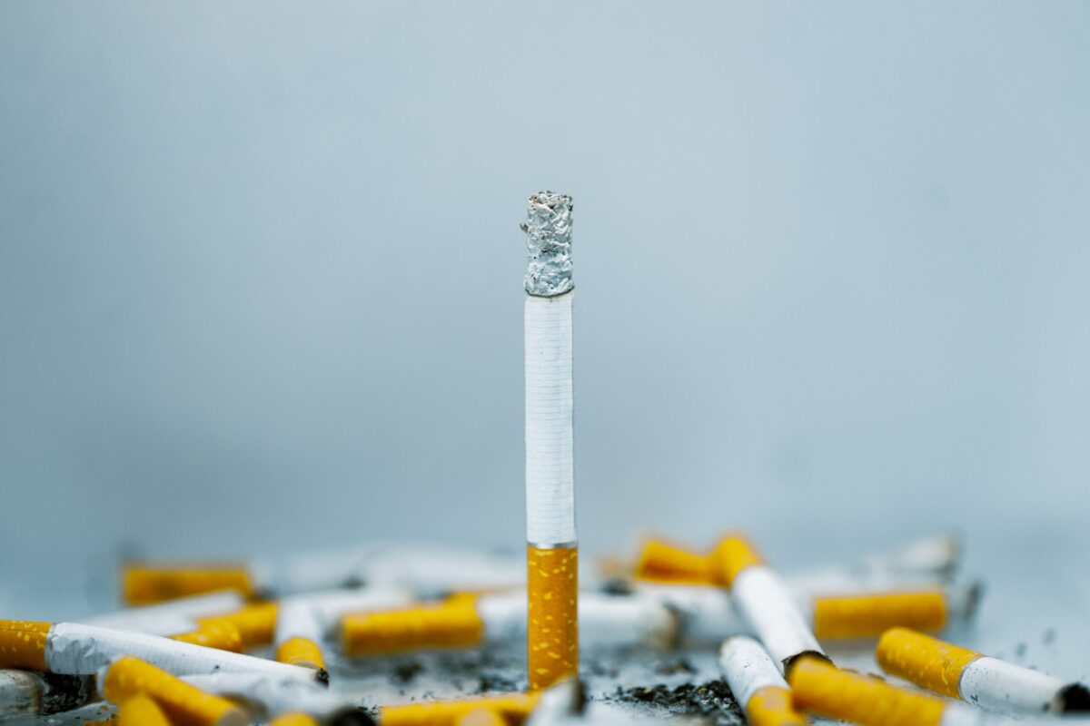 現在のタバコになぜこのような添加物が大量に含まれているのか