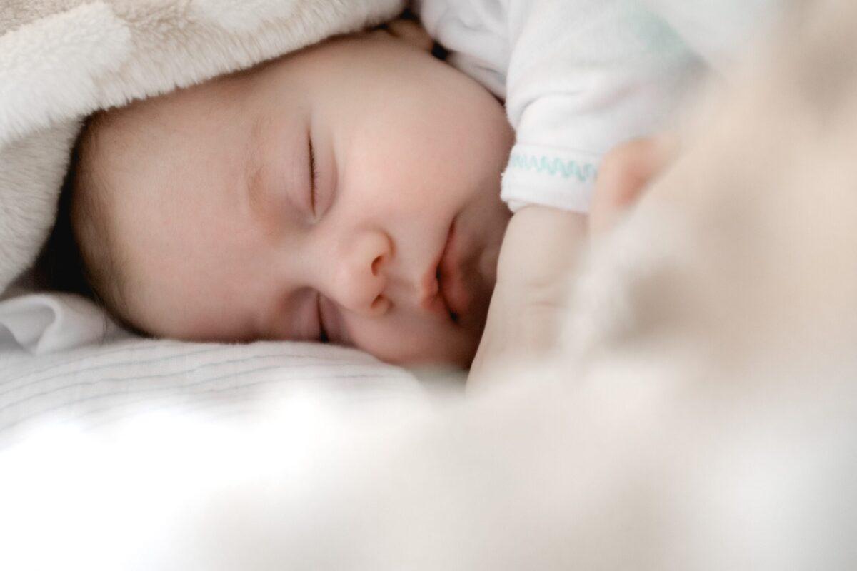 理想の睡眠時間と睡眠の質を上げるヒント